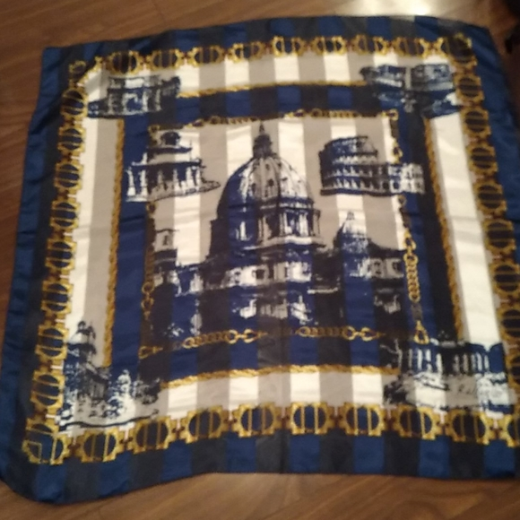 Gorgeous and unique scarf from Rome